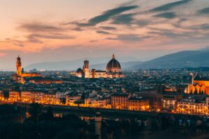 Hermoso paisaje de Italia al atardecer